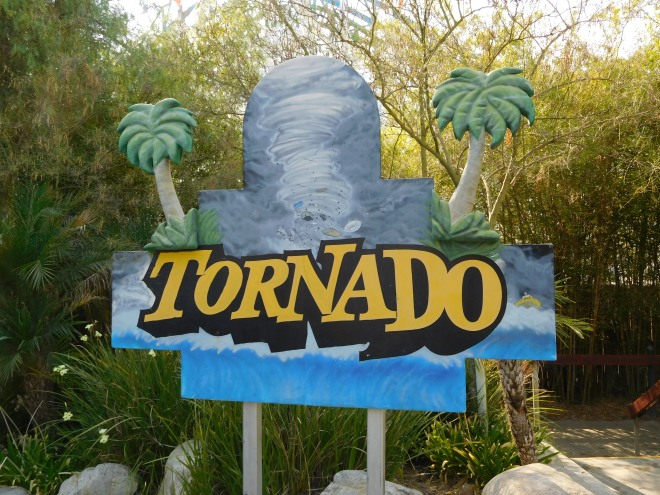 Tornado Hurricane Harbor Los Angeles (3)