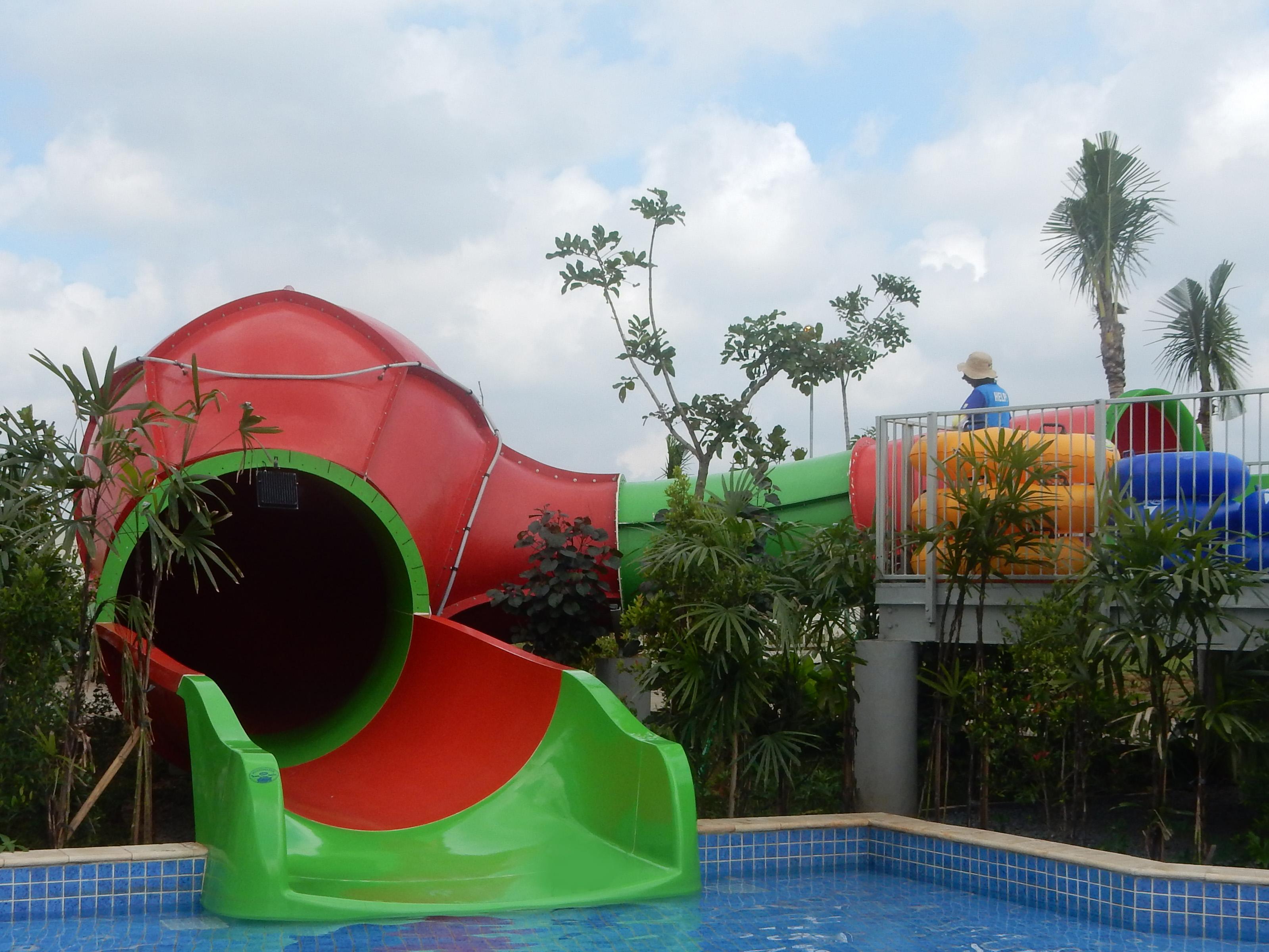 Kids Aquasphere Grand Wisata