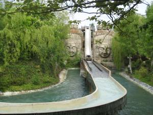 Chessington Dragon Falls (1)