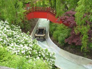 Chessington Dragon Falls (2)