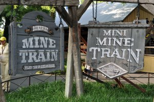 Mine Train sign sfot guidetosfot