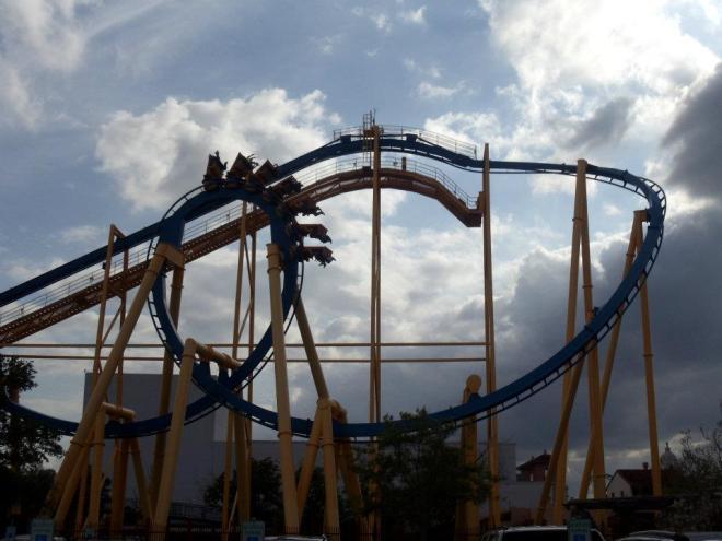 Goliath Six Flags Fiesta Texas David 2