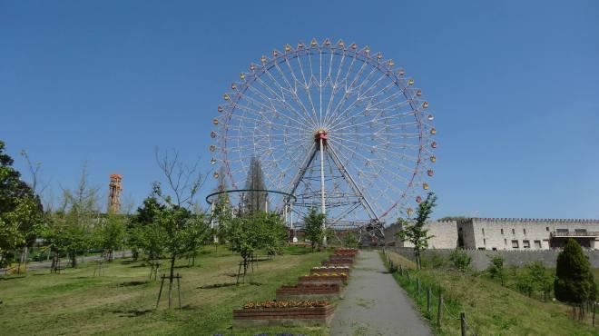 Himeji Central Park Ferris Wheel