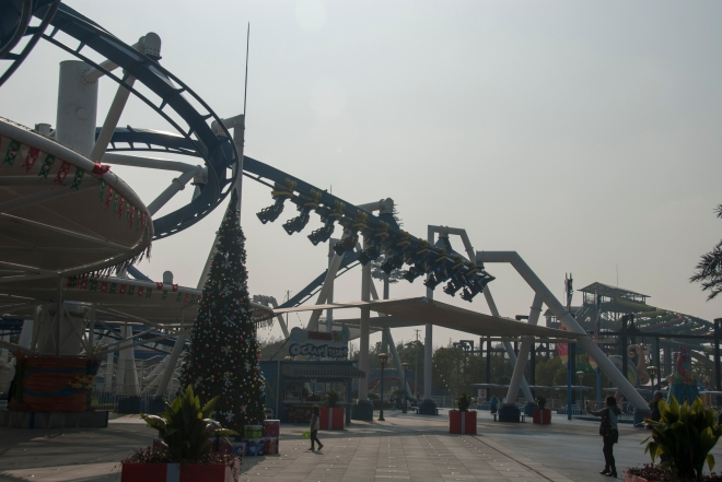 Family Inverted Coaster Shanghai Henry (2)