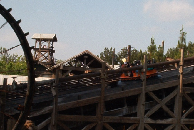 intamin-8-dca-grizzly-river-run-2