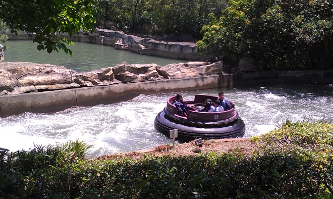 intamin-big-canyon-rapids-ride-leofoo-1