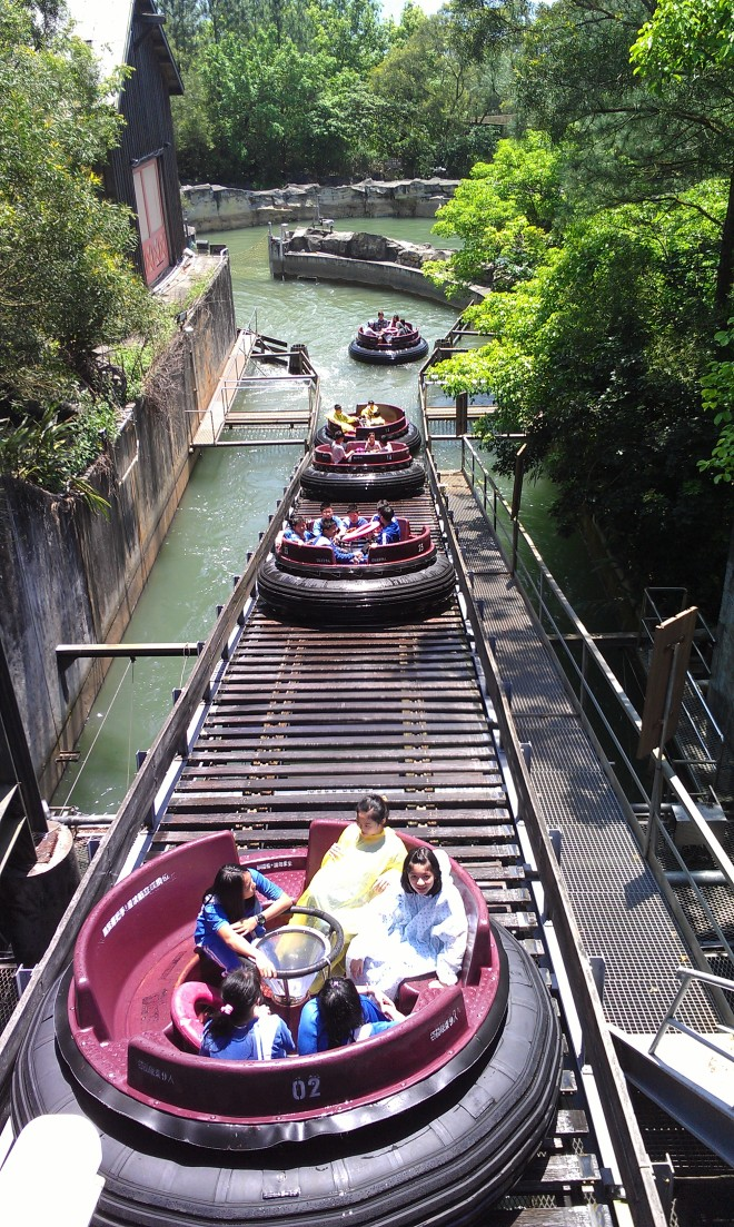 intamin-big-canyon-rapids-ride-leofoo-4