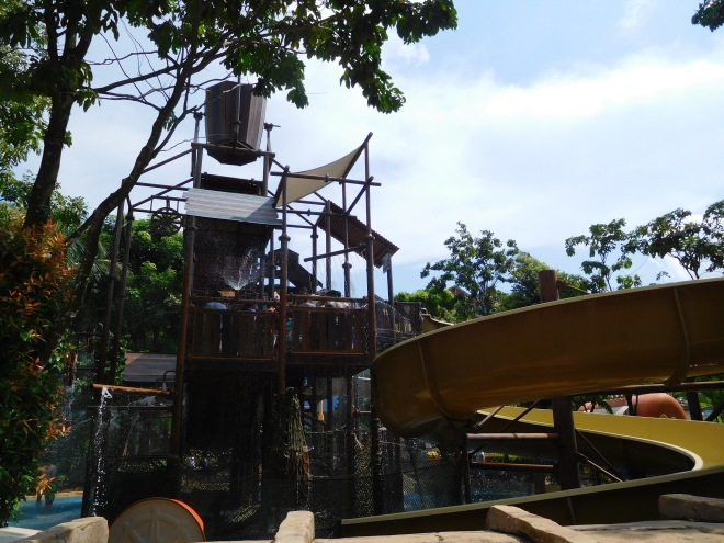 Big Bucket Treehouse (3)