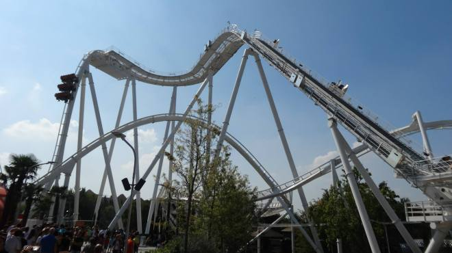 Oblivion the Black Hole Gardaland Flex 2.jpg