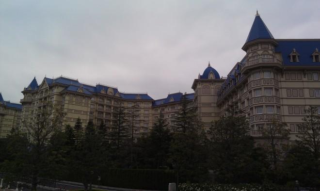 Tokyo Disneyland Exterior (2)
