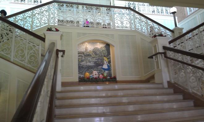 Tokyo Disneyland Lobby (1)