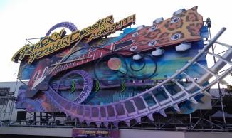 Entrance sign for Rock n Roller Coaster at the Walt Disney Studios
