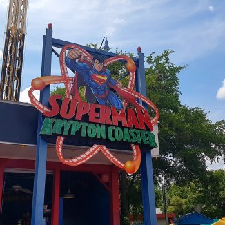 Superman Krypton Coaster entrance sign, courtesy of Flex.