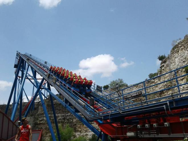 Superman Krypton Coaster Six Flags Fiesta Texas lift hill