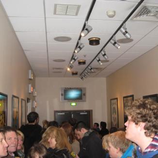 Indoor queue line