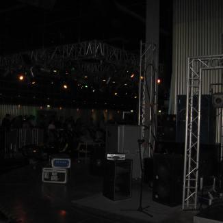 Tour de Force Records loading platform (2)