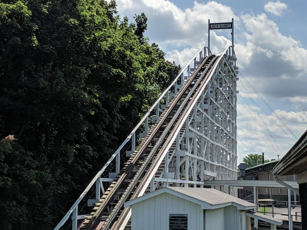The lift hill of the Jack Rabbit at Seabreeze amusement park. You can see the anti-rollback strip on the left of the chain.
